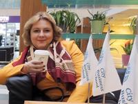 """Ирина Шухаева перед видео-интервью """"Особенности маркетинга в медицине"""". Декабрь 2014"""